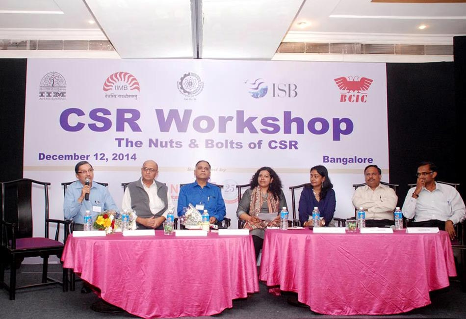 Craftizen partnered with the Bangalore alumni chapters of ISB and IIMs - A,B,C to organize a workshop on CSR in January 2015. Our founder moderated a panel discussion with CSR heads from Titan, ITC, CISCO and leading NGOs